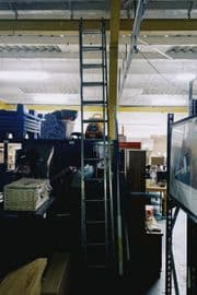186184 / ALUMINIUM 2 PART LADDER - EACH SECTION IS 3.5M LONG (6M SAFE WORKING HEIGHT)